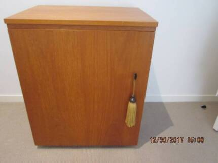 sewing cabinet horn easy lift