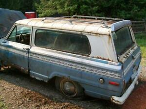 Best Offer For A Bunch Of 1974 Jeep Cherokee Parts.