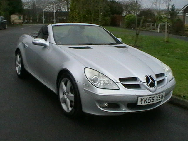 Perfect 55 REG MERCEDES BENZ SLK200 KOMPRESSOR 2 DOOR CONVERTIBLE SPORTS CAR IN  SILVER