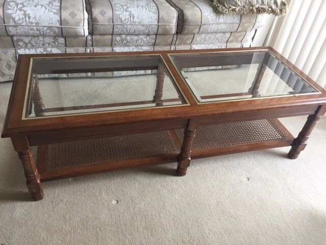 Wood Coffee Table With Glass Top / 2 Matching End Tables | Coffee Tables |  Calgary | Kijiji