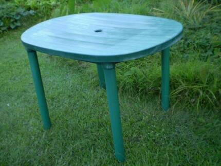 OUTDOOR TABLE Part 67
