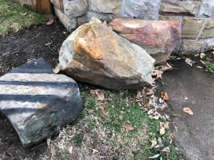 Large Rocks   Free