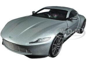 ASTON MARTIN DB10 SILVER JAMES BOND 007