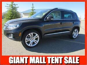 2012 VW Tiguan 2.0T 4Motion HIGHLINE   **LEATHER_NAV_SUNROOF**