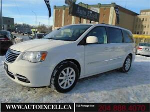 2013 Chrysler Town & Country Touring, Back Up Camera