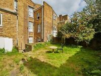 A New Bright Spacious 3 Bedroom Flat Available Elephant & Castle !