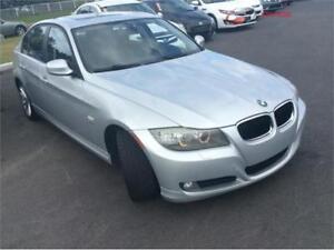 2011 BMW Série 3 328i xDrive , cuir, toit ouvrant ,TOUT EQUIPÉ