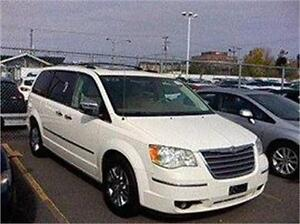 2010 CHRYSLER TOWN N COUNTRY LIMITED, REDUIT 11 880$ 514-817-009