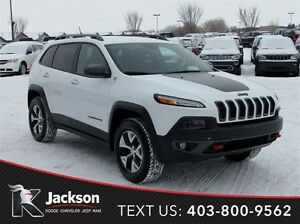 2015 Jeep Cherokee Trailhawk 4WD- Navigation, Heated Seats!