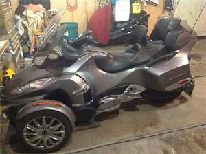 2014 CAN AM SPYDER RT LIMITED & CAN AM ROADSTER TRAILER