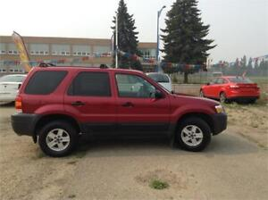 2005 Ford Escape XLS -NO ACCIDENT -ONE OWNER - 3 MONTHS WARRANTY