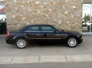 2009 Chrysler 300 Touring LEATHER MOONROOF LOW KM'S NICE CARS!!!