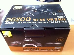 brand new Nikon D5200 with 18-55 VRII kit, 24MP