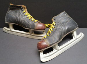 Women's vintage Daoust black leather skates – Size 8