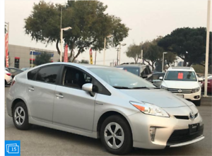 2015 Toyota Prius Technology Package * ONLY 30,000 KM *