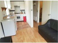 1 bedroom flat in Hammersmith Grove, Hammersmith