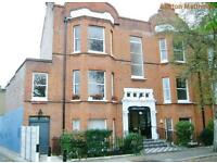 3 bedroom flat in Flanders Mansions, Flanders Road, Chiswick
