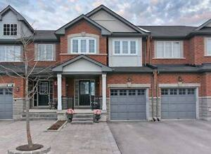 Town house for rent Richmond Hill