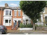 2 bedroom flat in Iffley road, Hammersmith