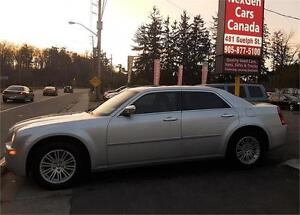 2010 Chrysler 300 LEATHER|SUNROOF|HEATED SEATS | FOR LOW PRICE