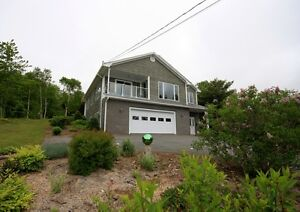 Beautiful Home Overlooking the Lahave River