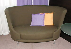 HSh Moroso Newtone Designer Couch Sofa grün Zweisitzer