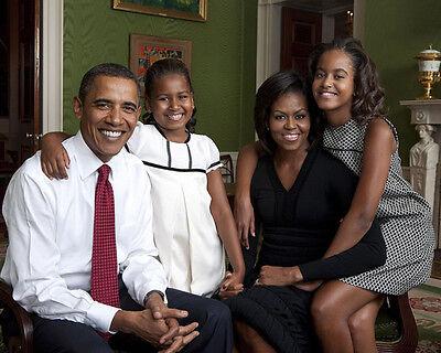 PRESIDENT BARACK OBAMA FAMILY PORTRAIT IN WHITE HOUSE 8X10 PHOTO