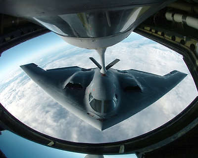 B-2 SPIRIT DURING AERIAL REFUELING 8x10 PHOTO USAF