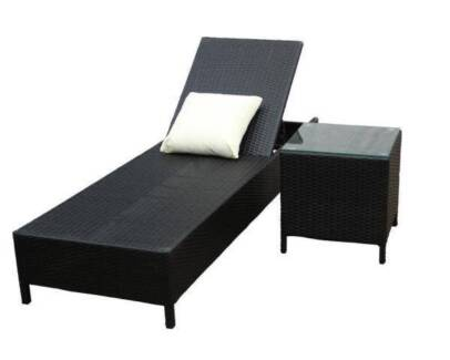 Wicker Rattan Sun Lounge Chair/ Sun Bed with Glass Top Side Table