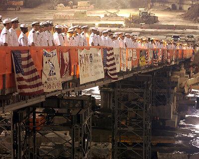 U.S. NAVY AT WORLD TRADE CENTER SITE 8X10 PHOTO 9/11 - Craft Sites