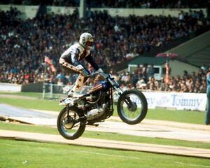 Evel-Knievel-motorbike-daredevil-Wembley-10x8-Photo