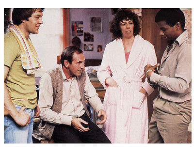 Christopher Strauli and Leonard Rossiter UNSIGNED photo - H6285 - Rising Damp