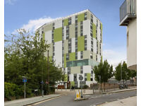 Barking IG11. Spacious & Modern 2 Bed Furnished Flat in Modern Build with Great Views