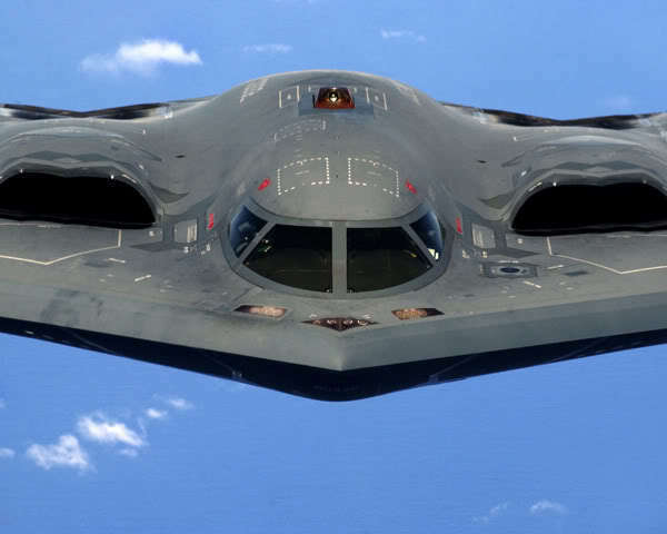 CLOSE-UP OF A B-2 SPIRIT STEALTH BOMBER 8x10 PHOTO USAF