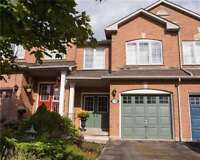 Clean 3 bed townhouse in Burlington Uptown---Short Term Only