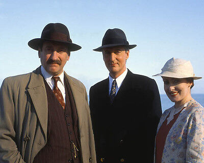 Hugh Fraser, Pauline Moran & Philip Jackson UNSIGNED photo - H2238 - Poirot