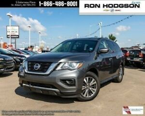 2017 Nissan Pathfinder AWD CLEAN CAR PROOF