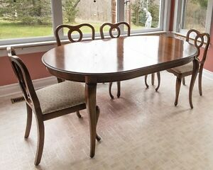 Gibbard Furniture Company Table and 6 chairs