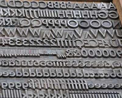 Bleischrift 13,5 mm Bleisatz Buchdruck Handsatz Alphabet Schrift Bleilettern