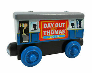 DAY-OUT-WITH-Thomas-2013-Friends-The-Tank-Train-Wooden-Child-Boy-Toy-Xmas-HC403