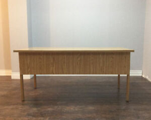 Gently used office desk Oakville / Halton Region Toronto (GTA) image 4