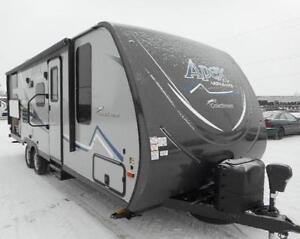 2017 APEX 245 BHS LIGHT WEIGHT DOUBLE BUNKS 4500 LBS DRY WEIGHT
