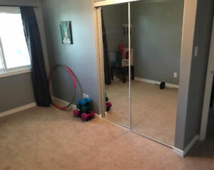 For Rent: Bedroom in modern, nice condo (north-Waterloo)