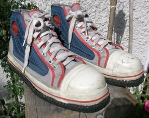 D-GEL Broomball / Sponge Hockey Shoes Size 10 VGC