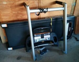 Tempo 632T Treadmill with heart monitor and incline adjustment