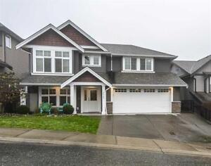 Beautiful 4 bed + den home in Promontory