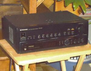 PUISSANT AMPLI ( Stéréo )  PIONEER VSX-455 de 270 Watts