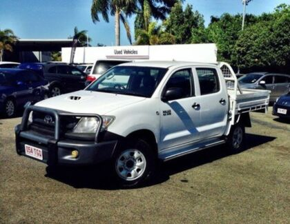 2011 Toyota Hilux KUN26R MY12 SR Double Cab White 5 Speed Manual Cab Chassis Mackay 4740 Mackay City Preview