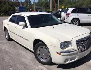 2008 Chrysler 300 Touring A/C + MAGS + GR. ELECT. + 155,000KM