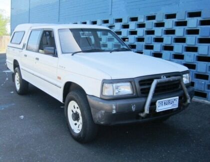 1998 Mazda B2500 (4x4) White 5 Speed Manual 4x4 Dual Cab Pick-up Hampton East Bayside Area Preview